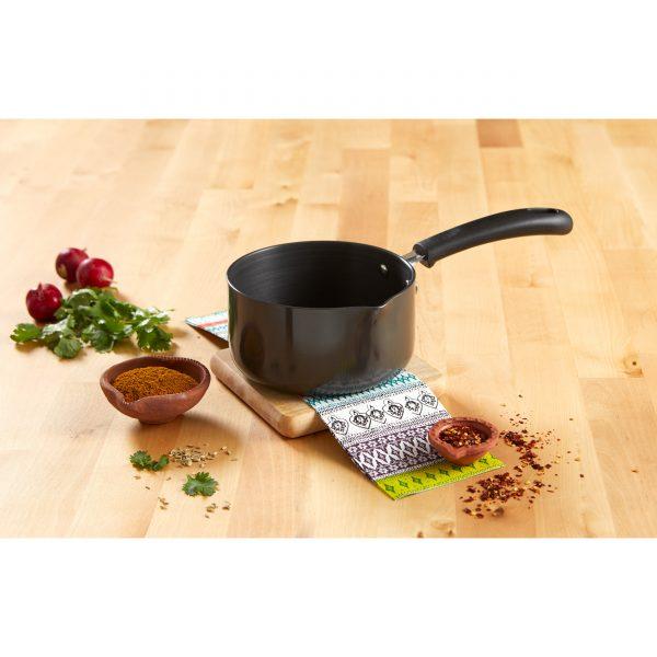 IMUSA Hard Anodized Aluminum Sauce Pan with Bakelite Handle 1 Quart, Black